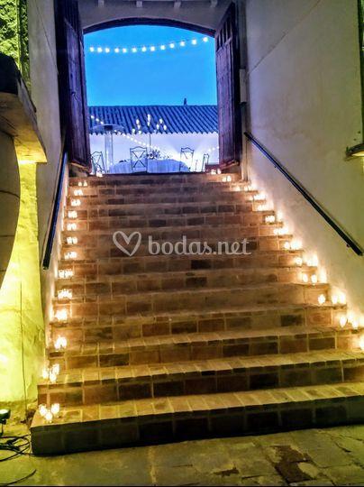 Escaleras de salida a la bodega