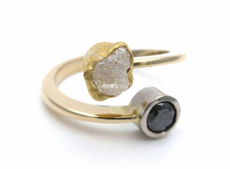 Oro amarillo diamante bruto