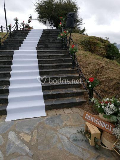 Escalinata al altar