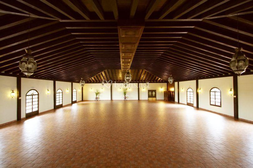 Salón vacío 500 m2