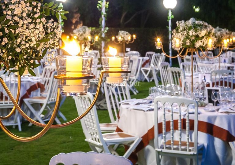Cena jardín alto