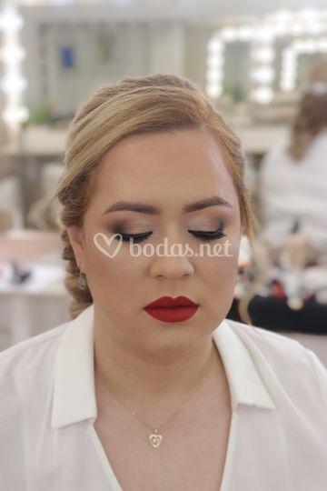 Maquillaje de novia, Daniela