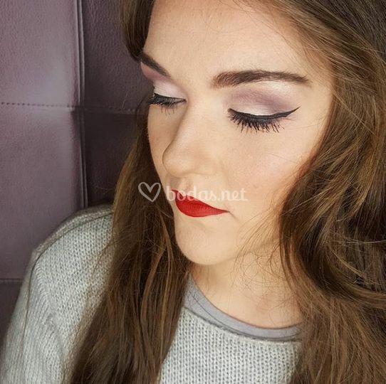 Maquillaje tonos lilas