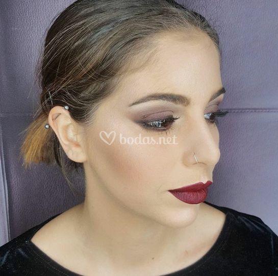 Maquillaje uve tonos tierra