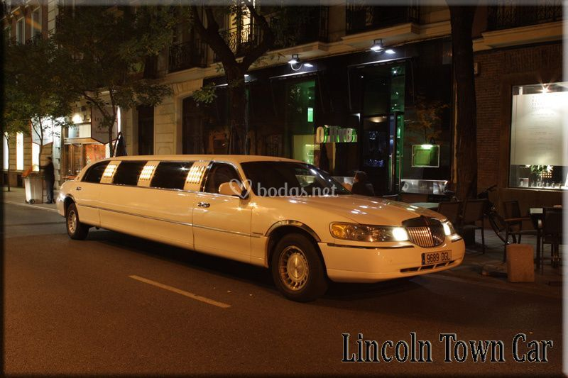 Lincoln Town Car, alquiler limusinas