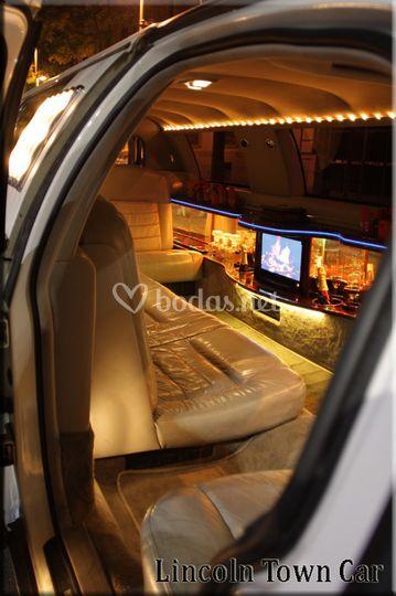 lincoln Town Car interior, alquiler limusinas