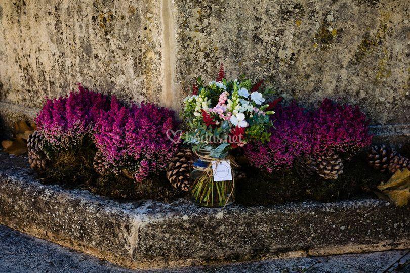 Flores en la fuente