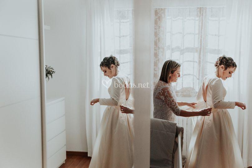 Novia reflejada en el espejo