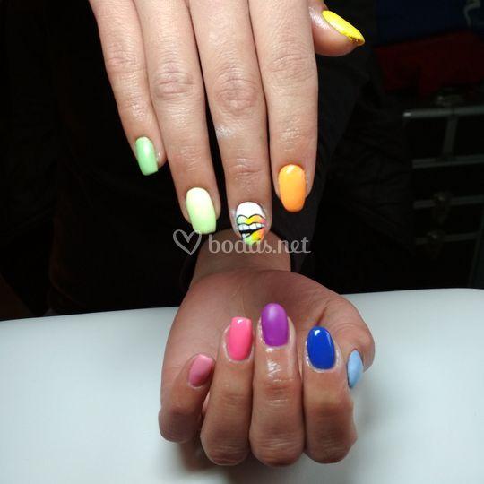 Multicolor, formas y brillos