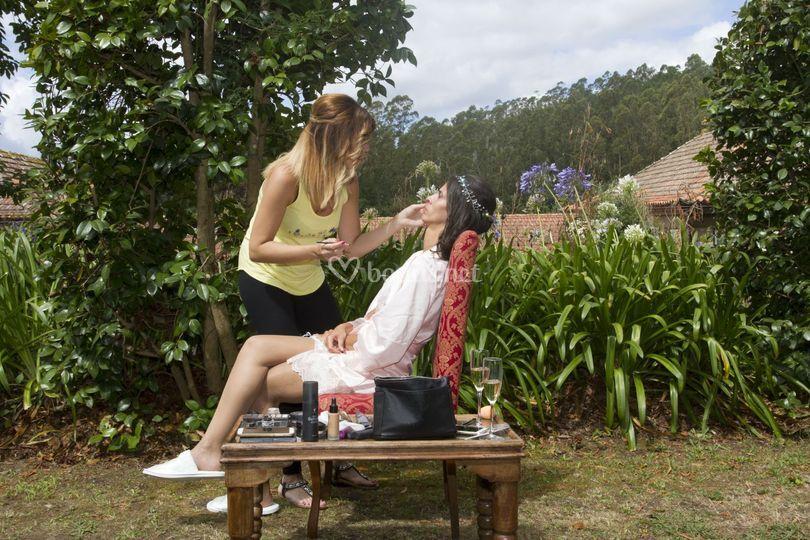 Maquillando novia
