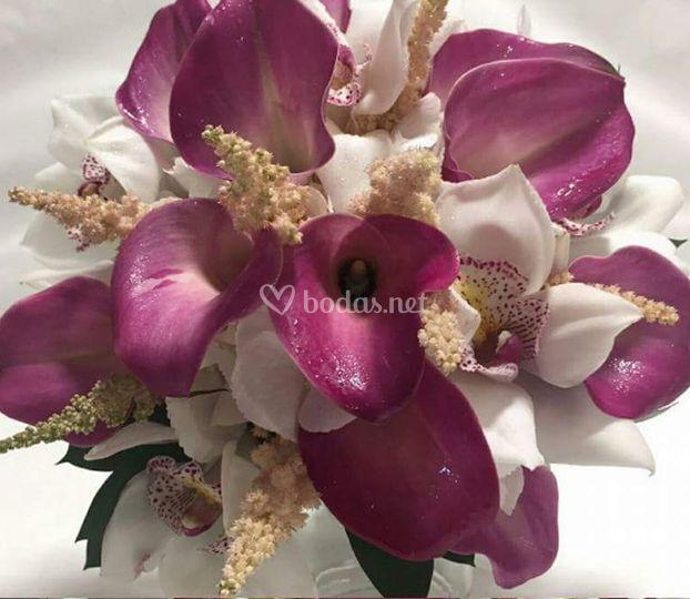 Bouquet calas y orquideas