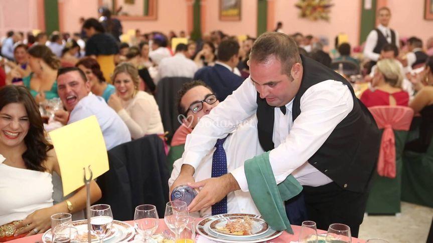 Camarero infiltrado bodas
