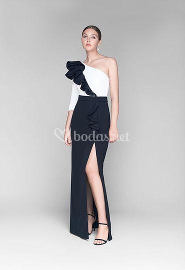 Vestido con apertura lateral
