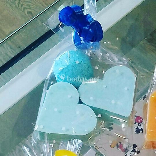 Jabón corazón y mini bombitas