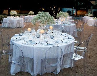La colocaci�n de las mesas del banquete