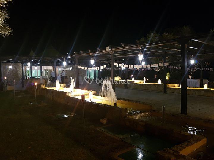 Jardín Finca El Bosque noche