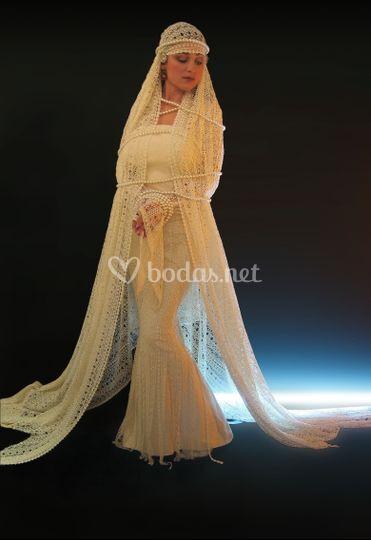 Vestido de guipour y seda