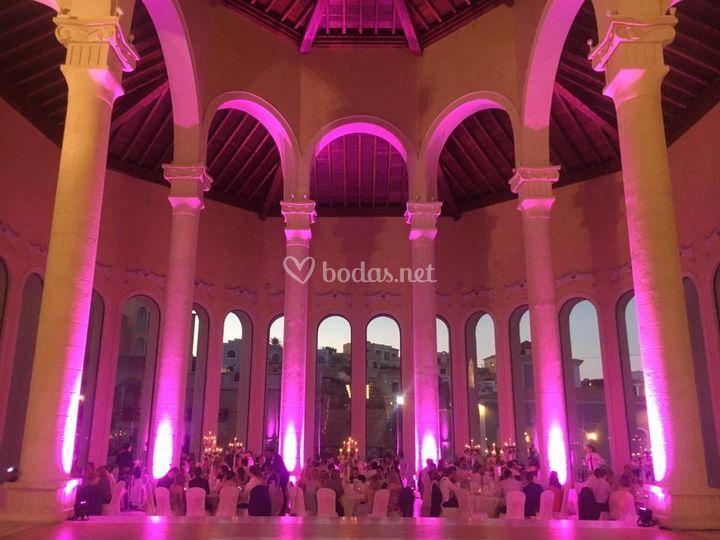 Iluminación espacio boda