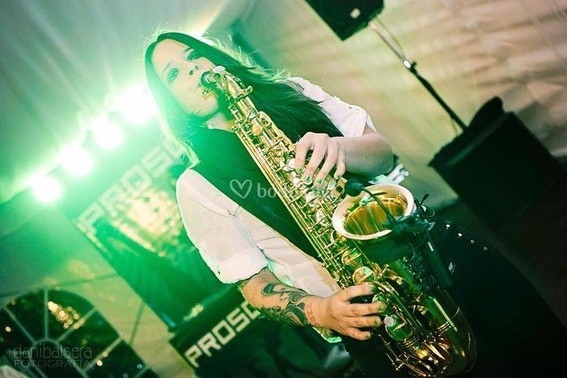 Femme sax