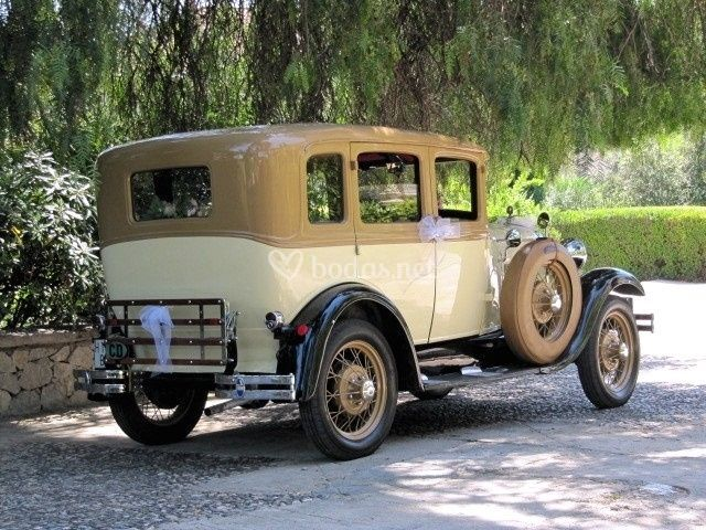 Ford A Fordor Deluxe 1928
