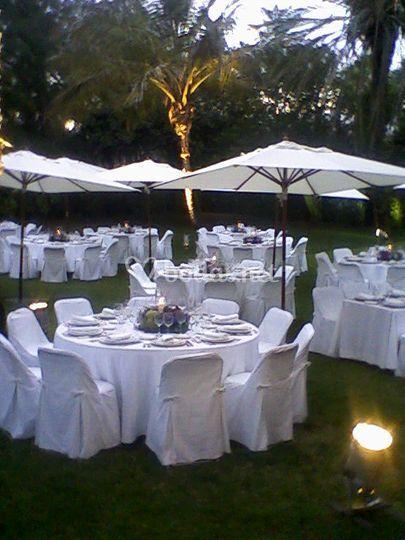 Banquetes en el jardín