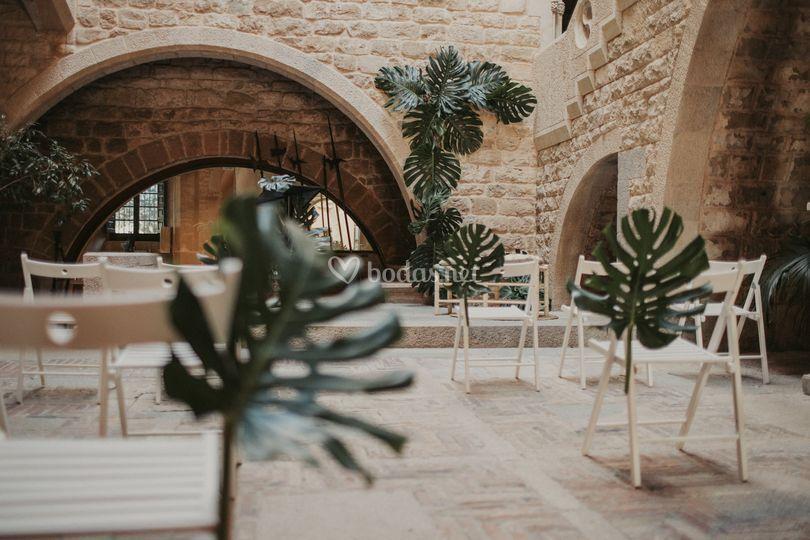 Decoración de patio gótico