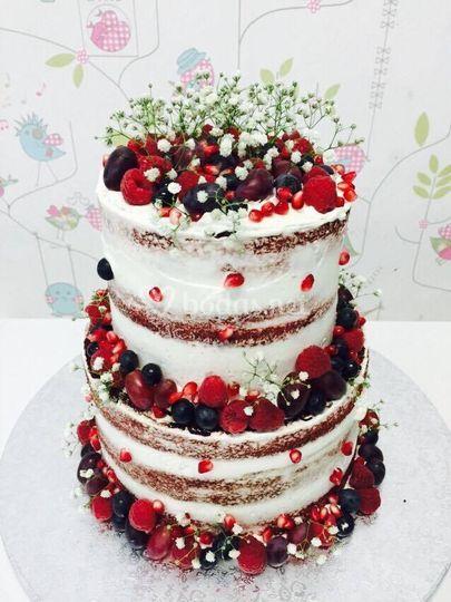 Nude Cake con frutos rojos