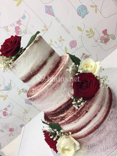 Nude Cake vintage con rosas