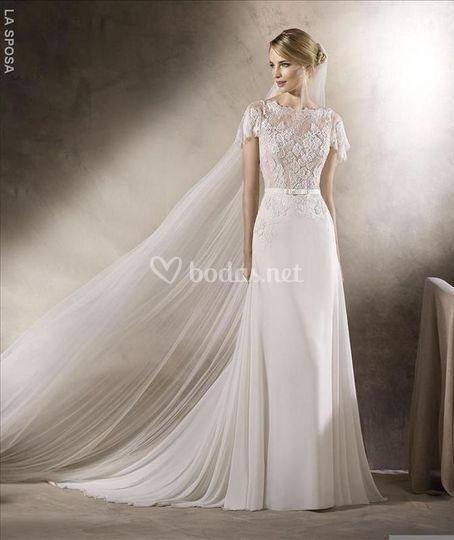 Delicado vestido de crep