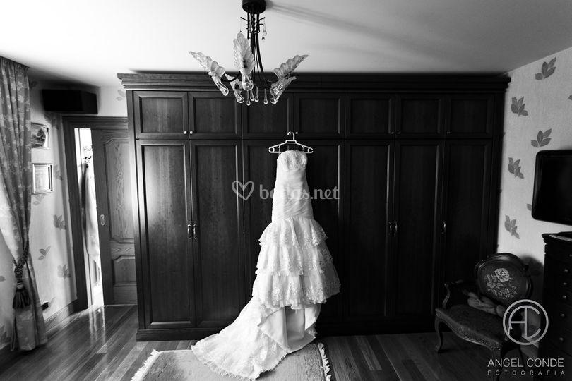 Vestido de la novia colgado