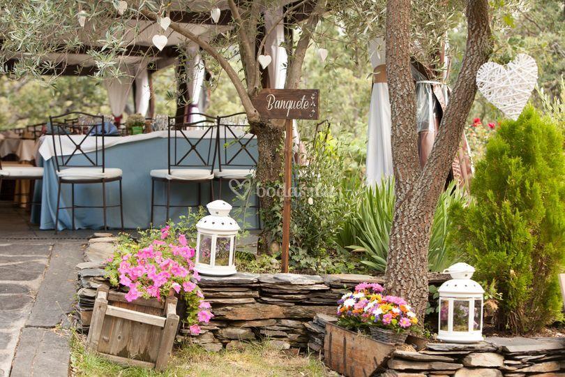Aldea tejera negra - Jardines decorados para fiestas ...