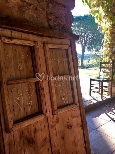 Lettering para puerta