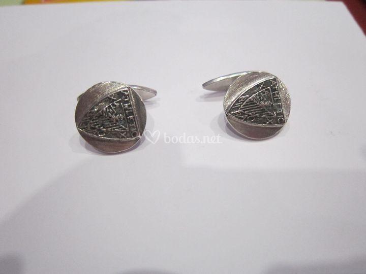 Gemelos en plata personalizados