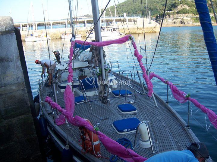 Uno de los barcos donde casamos