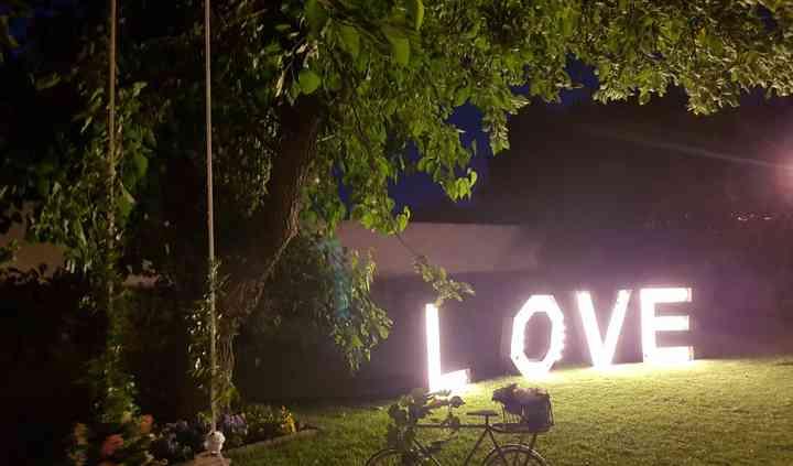 Letras iluminadas gigantes