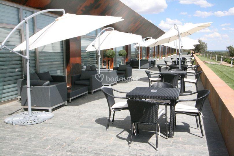 Nuestra terraza inferior a pie de restaurante