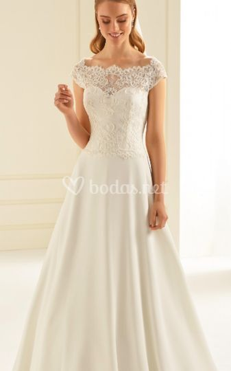 Vestido novia chantilly