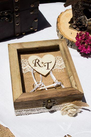 Porta anillos de madera