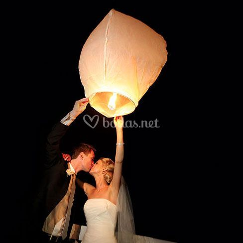 Lámpara voladora blanca