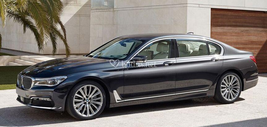 BMW 750Li xDrive VIP Lounge