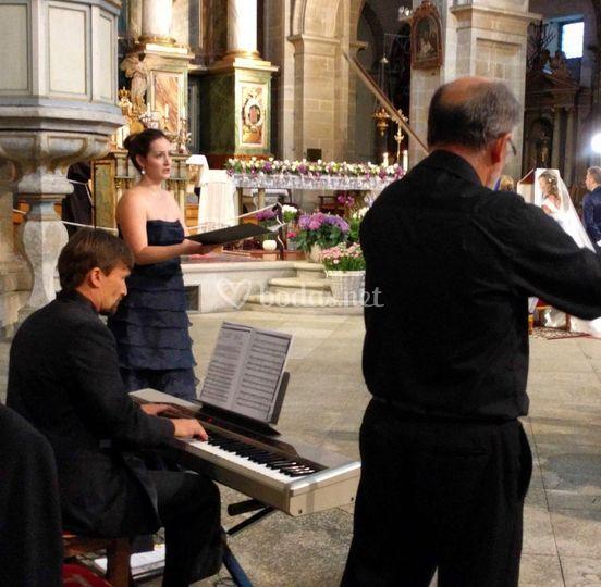Cantante para la iglesia