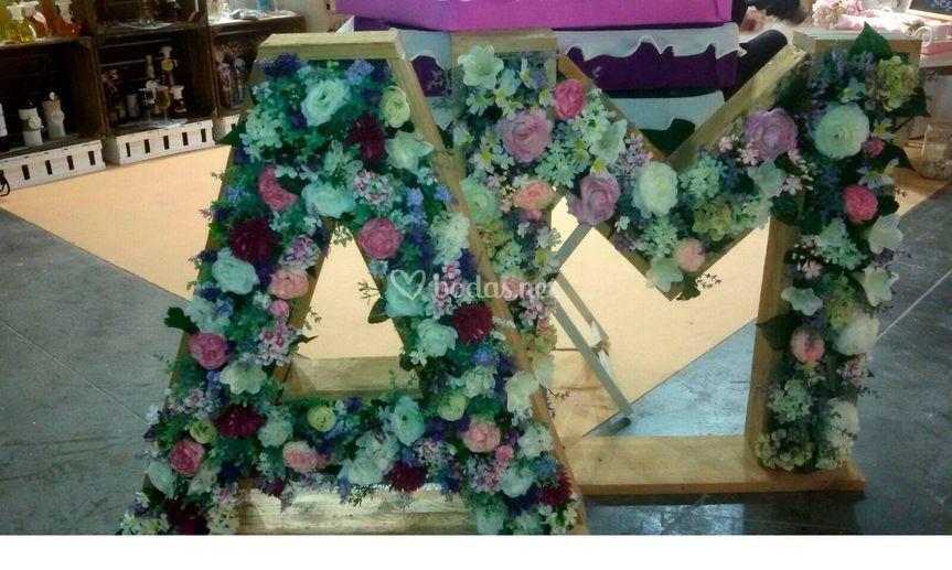 Letras con flor