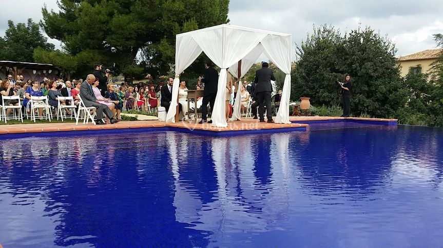 Ceremonia en la piscina