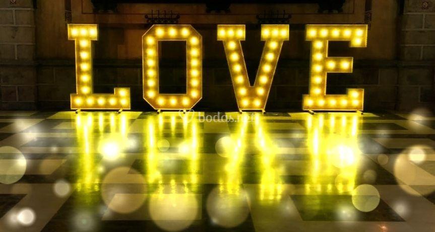 Luminoso LOVE