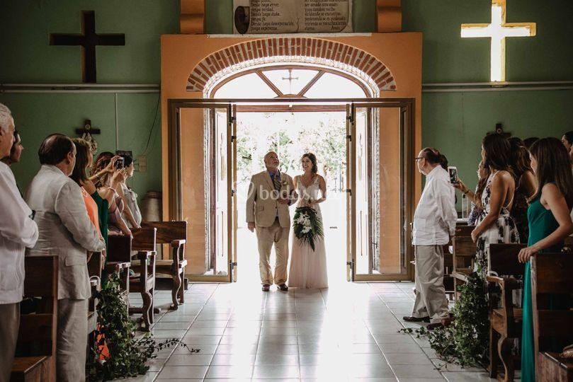 Entra la novia