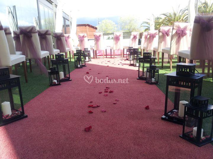Ceremonia civil en el jardín de Hotel Las Artes