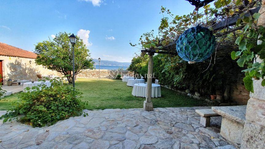 Jardin con vistas al mar