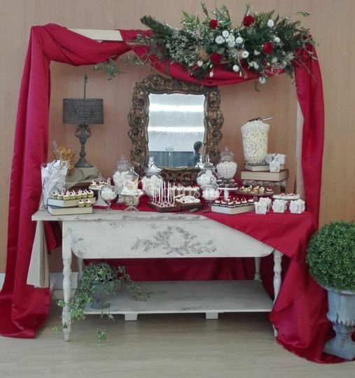 Mesa de chuches y dulces