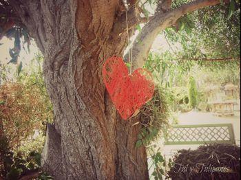 Cómo decorar tu boda con corazones colgantes