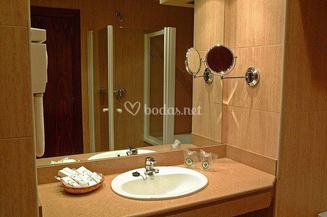 Baño habitación Suite Amaika